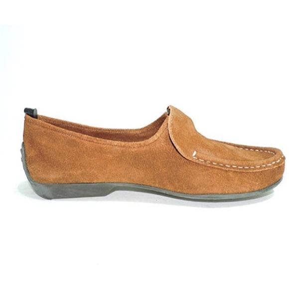 47668b04ac3 NWT Bernardo acorn colored loafers